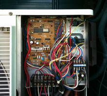 業務用エアコン 室外基板交換修理